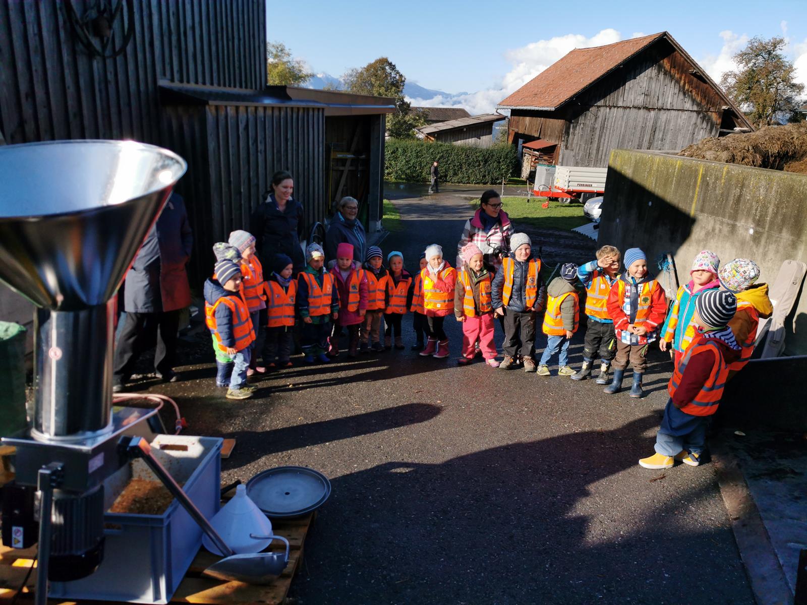 8 Kindergarten Erntedank 07. Oktober 2019-3 (1) (Copy) - Kopie.jpg