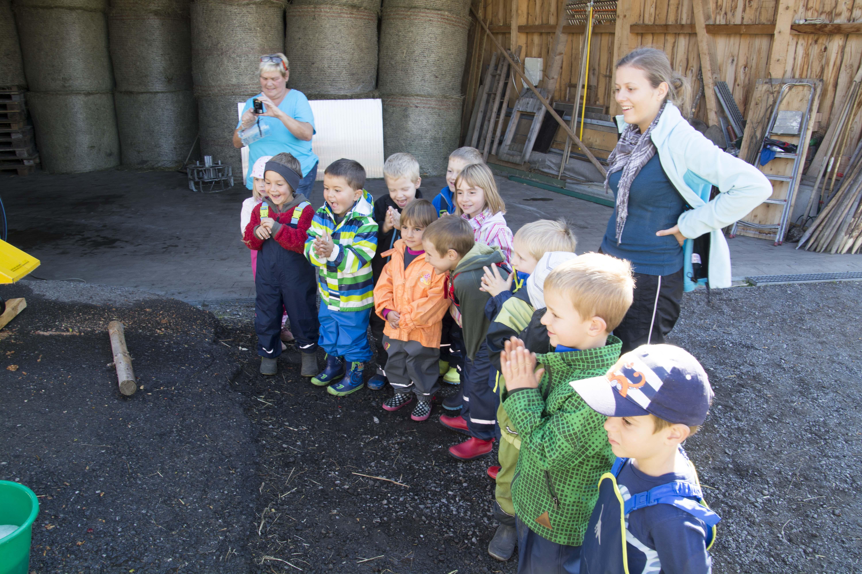 Kindergarten Kürbisernte 01. Oktober 2015 (31).jpg