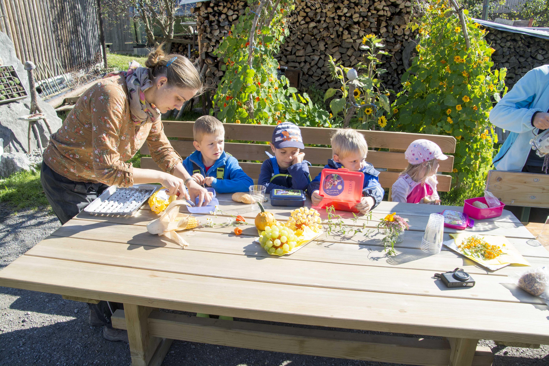 Kindergarten Kürbisernte 01. Oktober 2015 (38).jpg