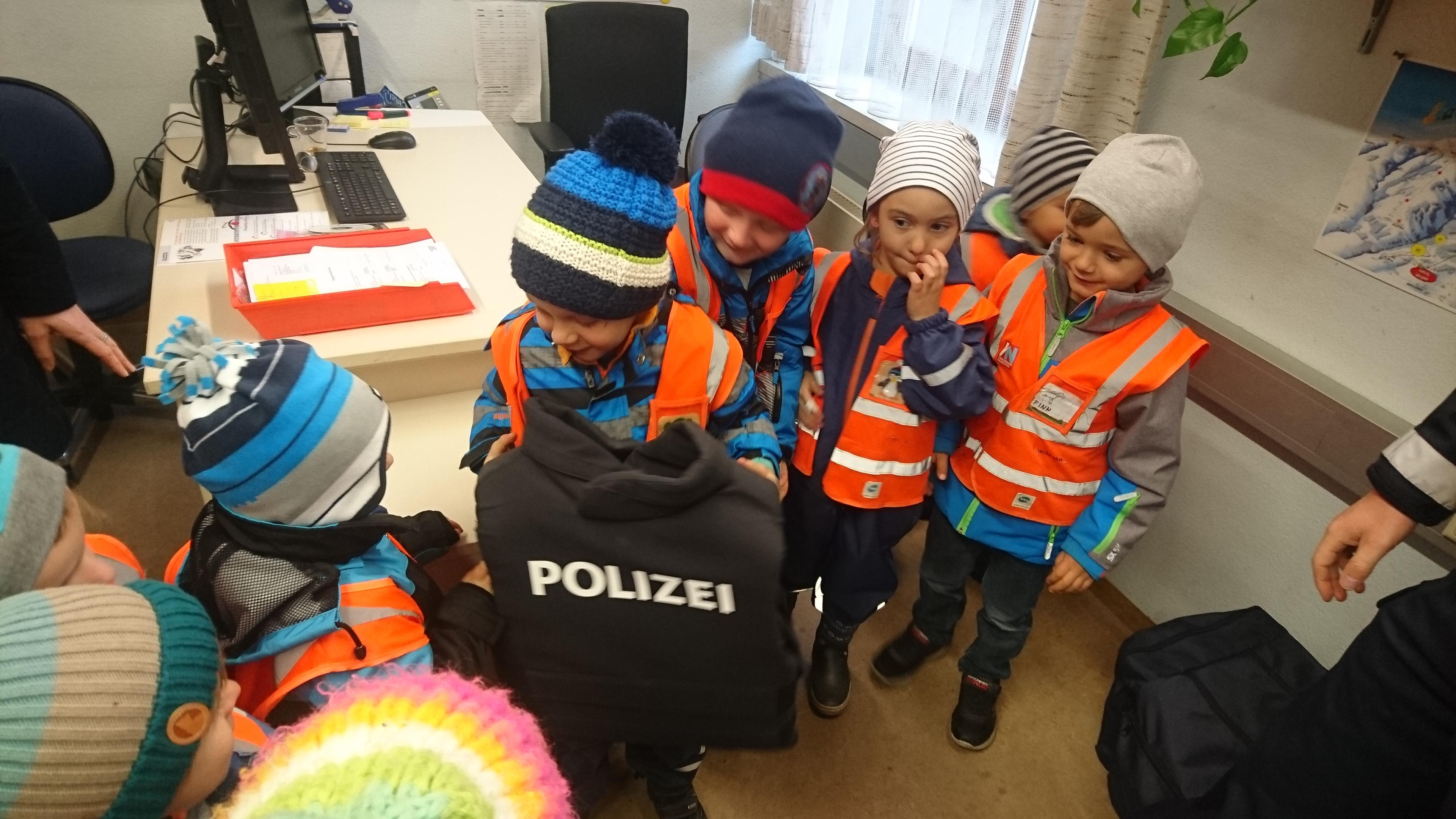 Ausflug zur Polizei November 2019 (8).JPG